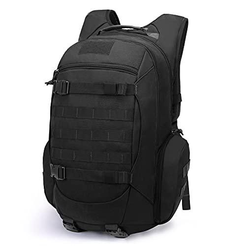 ▶ Amplia gama de usos. La mochila militar táctica de 35 litros es grande y cómoda, perfecta para practicar senderismo, acampar, escalar montañas, vacaciones de fin de semana o excursiones de tres días. Dimensiones: 20.5 x 12.2 x 10.2 pulgadas / (52 x 31 x 26 cm); peso: 1.05kg. ▶ Capacidad suficiente. La mochila táctica ofrece un amplio espacio y comodidad, con 2 bolsillos principales y 1 bolsillo frontal y 2 bolsillos laterales con cremalleras, que pueden contener una computadora portátil de 15.6 pulgadas o incluso una bolsa de agua de 2.5 litros. Puede usarlo para llevar ropa, zapatos, billeteras, comida, herramientas y más. ▶ Fácil de usar: el enlace Molle se encuentra en la parte delantera de la mochila y en el costado del cinturón, y puede colocar los accesorios que necesita (por ejemplo, una bolsa MOLLE). Las correas de hombro acolchadas de malla reducen la presión del hombro y se ajustan a hombres y mujeres de diferentes tamaños. Correas ajustables en el pecho y correas para sostener las caderas. ▶ Material: está hecho de tela de alta densidad (fibra de poliéster 600D) con revestimiento de PVC, que es fácil de limpiar y duradero. No es completamente resistente al agua, pero no se preocupe por mojarse con una lluvia ligera. La cremallera YKK de alta calidad se desliza suavemente. Parte posterior del hombro con tejido de malla de panal, transpirable, descompresión, para proporcionar una buena experiencia de uso. ▶ COMPRE SIN RIESGOS. El equipo de Mardingtop le promete un reembolso de 30 días y un cambio de 60 días. Si hay algún problema con la mochila, contáctenos.
