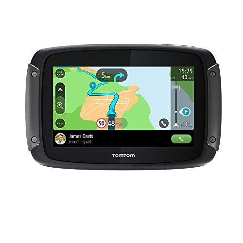 Rutas con más giros y emociones: disfruta de todos los giros, las cuestas y la emoción que buscas con el GPS para moto TomTom Rider; crea o importa rutas (a través de GPX), y arranca Diseño resistente al tiempo: el GPS para motos TomTom Rider, de diseño resistente al tiempo con certificación IPX7 y pantalla táctil capacitiva, te permite controlarlo todo incluso llevando guantes Mapas de UE occidental, 3 meses de tráfico: obtén de forma rápida y sencilla mapas, radares de tráfico y otros servicios LIVE a través del GPS para moto TomTom Rider; sin necesidad de ordenador Procesador de cuatro núcleos: el procesador de TomTom Rider ejecuta comandos de forma simultánea, duplicando la velocidad de procesamiento y multiplicando por cinco la velocidad de activación del GPS Pantalla inteligente: mayor visibilidad gracias a la pantalla de 4.3