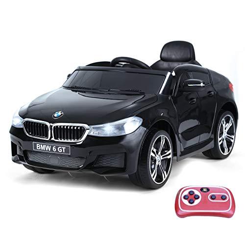 BMW 6GT CON LICENCIA: Este vehículo BMW 6GT con licencia oficial tiene un aspecto realista, que incluye marca, bocina, música, faros / luces posteriores brillantes, diseño de línea corriente y 2 puertas que se pueden abrir. DOS MODOS EN UNO: Este paseo en automóvil es perfecto para niños mayores de 3 años y se puede operar de dos maneras, con el pedal y el volante o mediante el control remoto. MÁXIMA SEGURIDAD: Conducción suave y cómoda con neumáticos de máxima anchura, diseño de cinturón de seguridad y doble puerta con cerradura para la máxima seguridad de tus hijos. Debe ser bajo la supervisión de un adulto. FUNCIÓN DE MÚSICA: Este coche eléctrico para niños puede conectar los dispositivos portátiles para reproducir música, la ranura para tarjetas USB y TF está disponible para admitir el formato MP3. La potente batería de 6V se carga de 8 a 12 horas (de 4 a 6 horas por primera vez) y proporciona hasta 45 minutos de diversión. COMODIDAD: El asiento ancho proporciona a tu hijo la máxima comodidad. Medidas totales: 106x64x51 cm (LxANxAL). Capacidad de carga: 30 kg. SE REQUIERE ENSAMBLAJE. Certificación: EN71-1,2,3, EMC, EN62115 y RoHS.